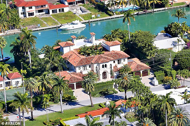 Orianne, 46, a bubbly presence on the Miami social scene, all diamonds, handbags and designer labels, lives in her £ 25 million waterfront mansion