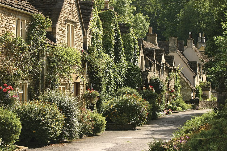 These mews cottages are owned by The Manor House and contain some of the hotel's snuggest rooms