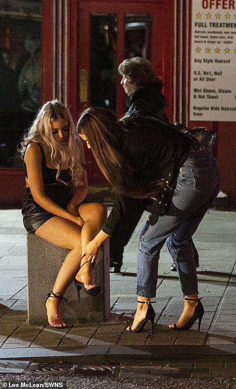 Revellers leaving bars and clubs at 10pm in Lancashire after new lockdown restrictions imposed