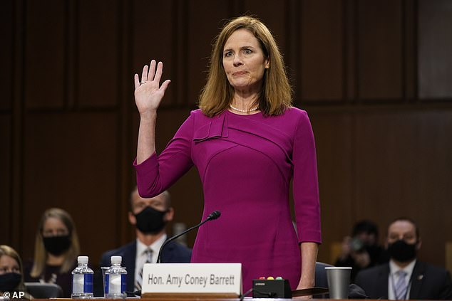After hearings this week, the Senate Judiciary Committee set October 22 for its vote to recommend Barrett´s nomination to the full Senate