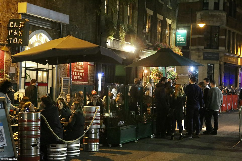 Venues were packed with drinkers in borough market on Saturday night despite the heightened level of restrictions