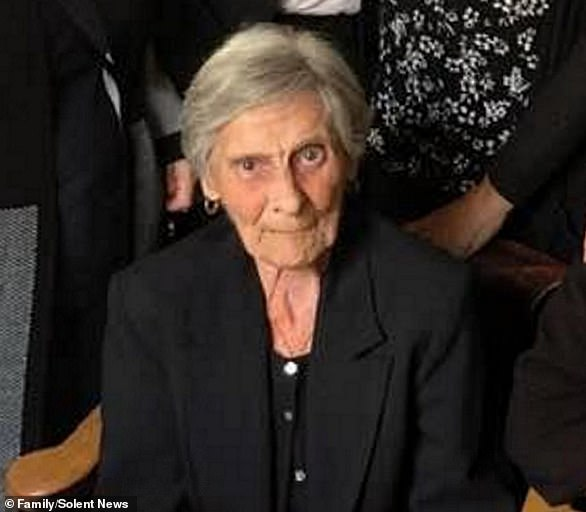 Gillian Orman, from Southampton, rang the NHS after her mother Kathleen Bricknell (pictured), 86, died