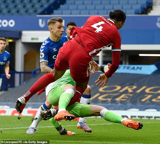 The Dutchman was involved in a collision with Jordan Pickford after six minutes of the game