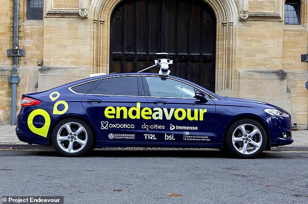 A fleet of six self-driving Ford Mondeos will be navigating the streets of Oxford in all hours and all weathers to test the abilities of driverless cars as part of a new trial