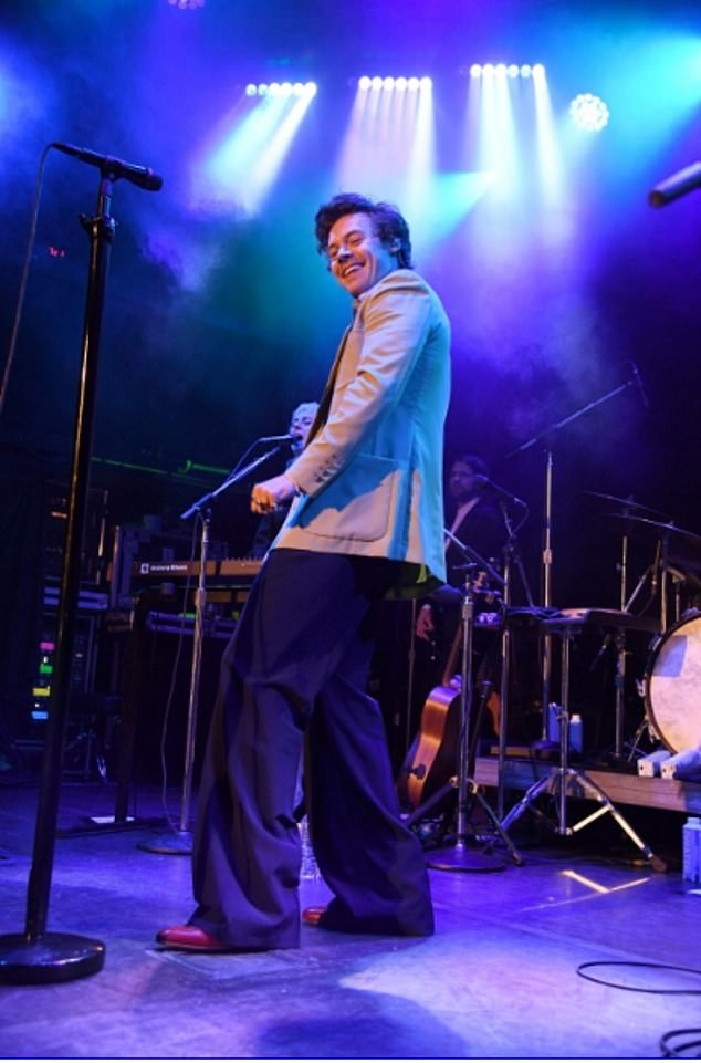 Investor: Not content with his career as a singer and film, Harry Styles to get involved in the business world, investing in a new arena of live music in Manchester
