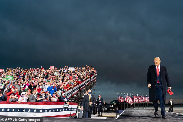 As the plane with the President approached the landing, the song was playing in the background. When Trump planned Air Force One and came down the stairs, he was greeted with thunderous applause. The president made a big appearance on Survivor's hit Eye of the Tiger