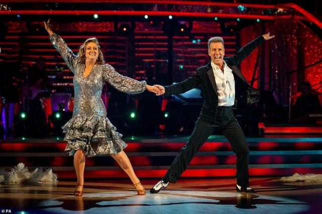 Ouch: Craig was not impressed with Jacqui Smith and Anton Du Beke's routine, giving the former Home Secretary a 2