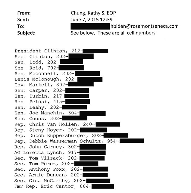 A contact database of 1,500 people on the laptop included the numbers of Bill and Hillary Clinton, actress Gwyneth Paltrow, her ex-husband Coldplay singer Chris Martin, former Presidential candidate John Kerry and ex-FBI boss Louis Freeh