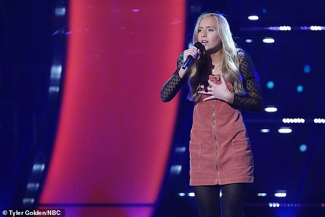 Teen talent:Skylar Alyvia Mayton, 15, from Grand Rapids, hooked Kelly for a coach with her searing version of The Weeknd's Blinding Lights