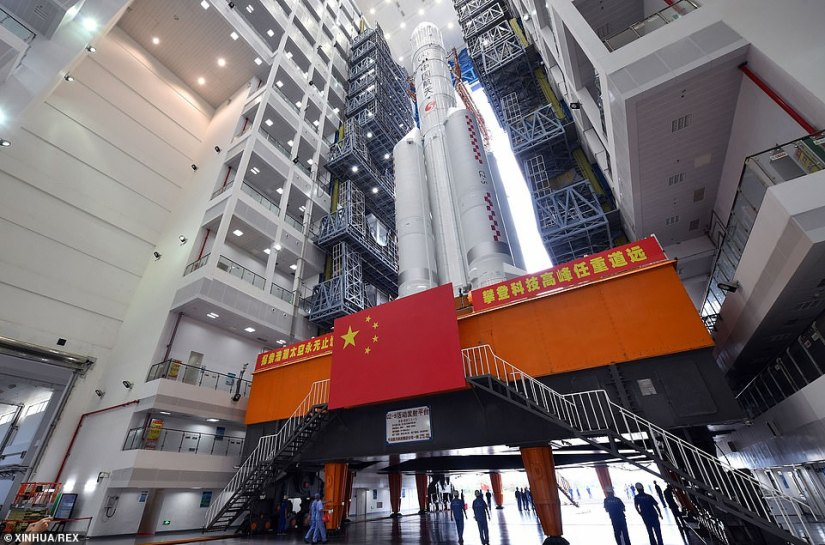 The rocket is 187 feet long and weighs 870 tonnes. Its transport process took about two hours and was reported to be smooth