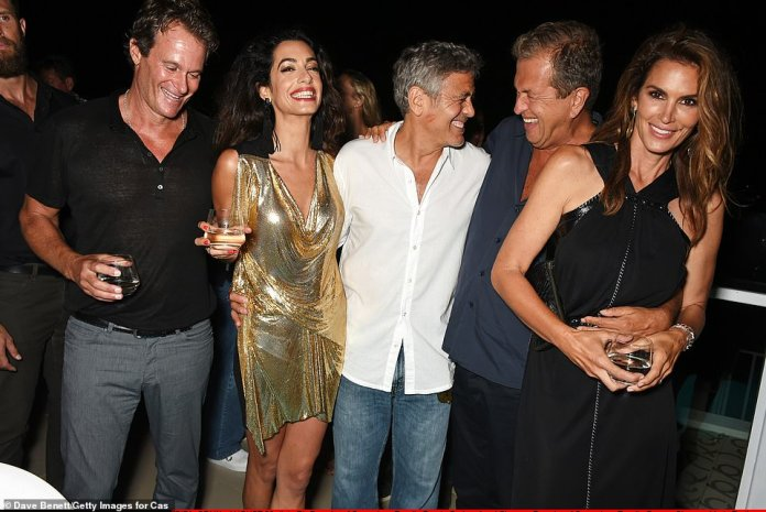 """Retrospective: the actor said that """"without them I have none of this"""";  he is seen with Rande, Cindy Crawford, Mike Meldman and his wife Amal in 2015"""