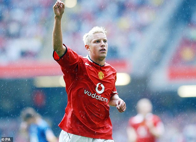 United had already signed Alan Smith in 2004 and had planned on signing Rooney in 2005