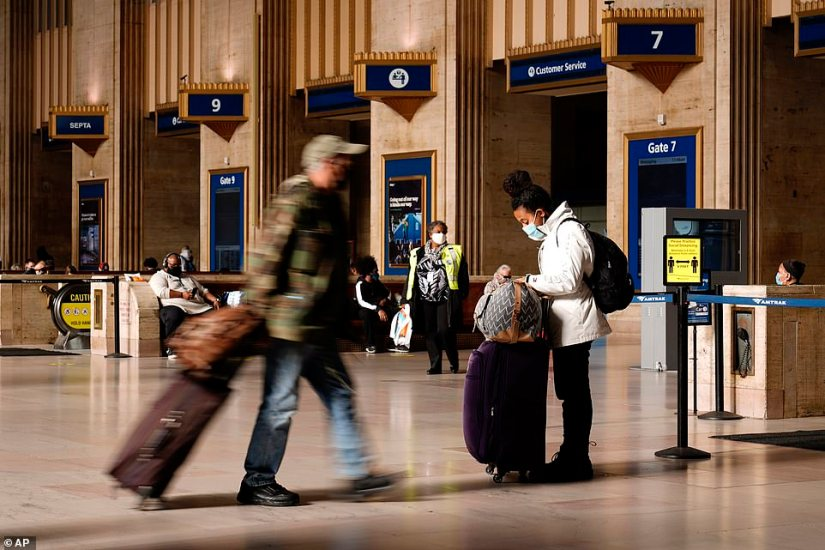 PHILADELPHIA: Travelers make their way through the 30th Street Station ahead of the Thanksgiving holiday, Friday,