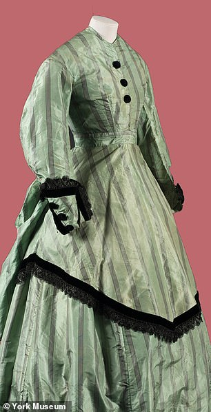 And it was incredibly similar toa 19th century arsenic dress (pictured) housed in the museum