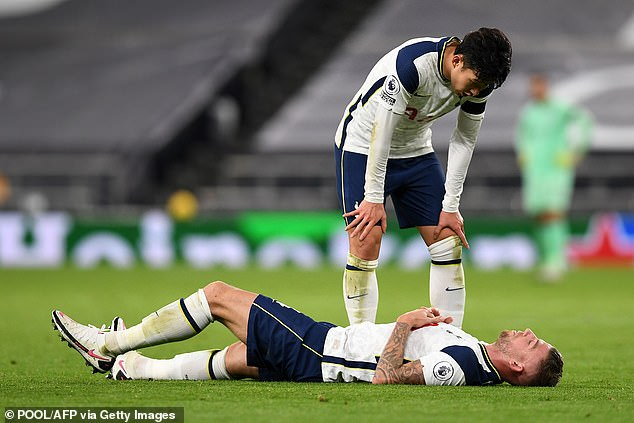 Spurs defender Toby Alderweireld to be sidelined for up to four weeks with hip injury