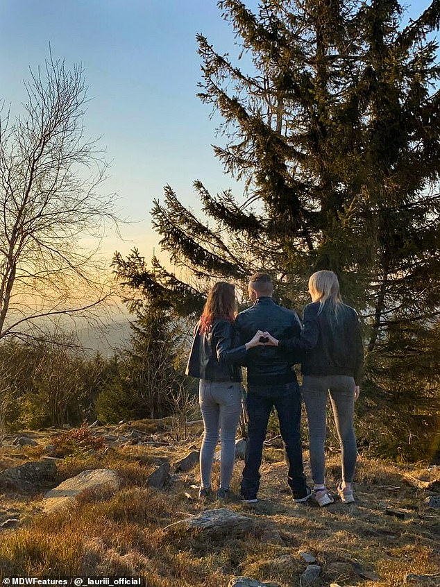 Learning to live as a throuple was not easy on Larissa, Laura ans Patrick, but they are now looking forward to watching many more sunsets together