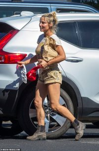Elsa Pataky puts on a leggy display on the school run in Byron Bay