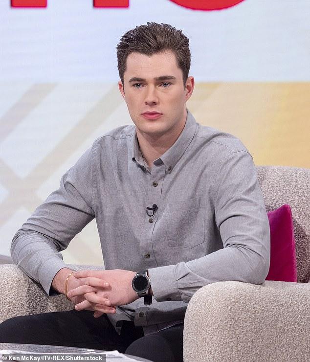 Schock: Promis gehen Dating-Star Curtis Pritchard hat Berichten zufolge positiv auf COVID-19 getestet, was dazu führte, dass die Dreharbeiten verschoben wurden