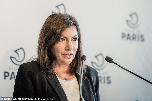 Paris mayor Anne Hidalgo speaks during a press conference at Paris' city hall on October 29, 2020