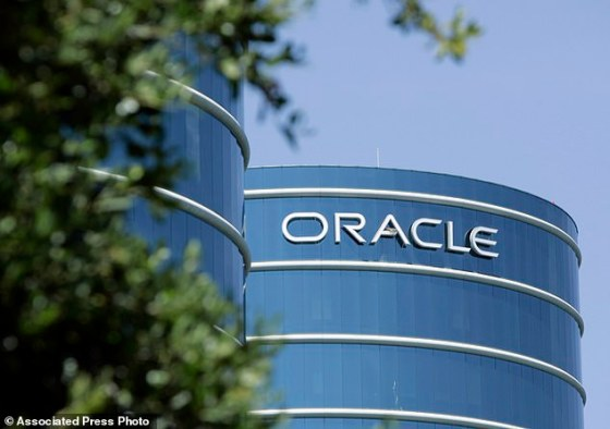 Co-tech giant Oracle Corp said Friday it would move its headquarters from Silicon Valley to Austin, letting employees pick their office locations and decide whether to work from home.