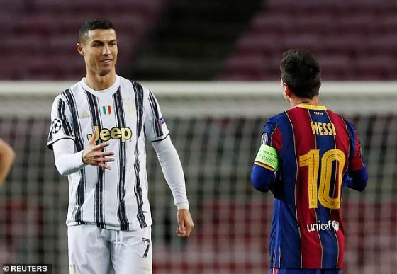 Berbatov says it would be unfair for Lionel Messi and Cristiano Ronaldo to win the award as they do not 'deserve' to be in the final