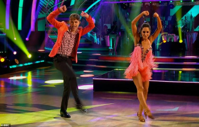 Don't stop! Finalists HRVY and Janette started the show with their Jive to Faith by Stevie Wonder feat. Ariana Grande, and earned universal praise from the panel, coming close to perfect score with 29 points out of 30