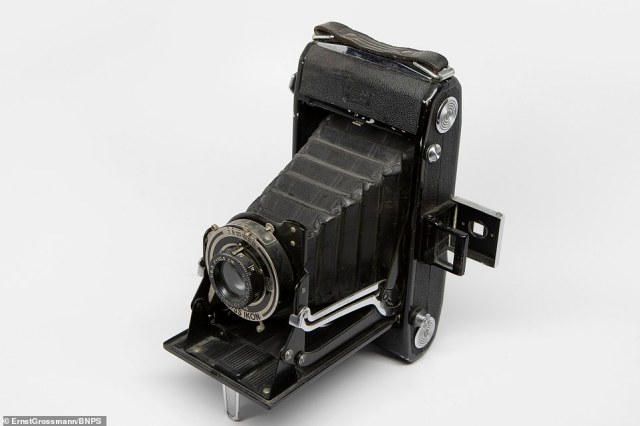 The Zeiss Ikon camera used by Ernst Großmann to photograph the landing craft tests that were happening off the coast in 1940