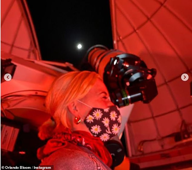 Sweet:Orlando had some impressive equipment ready for the stargazing, posting Instagram photos of the couple peering through a huge telescope