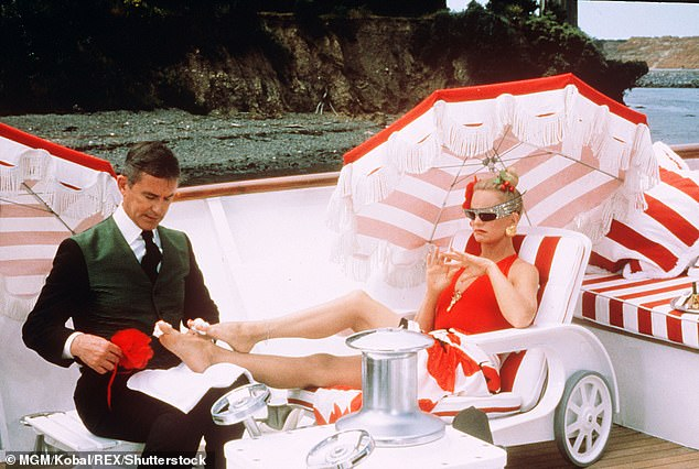 She was a bombshell with amazing comedic timing: She showed off all her talents in this film; seen here with Roddy McDowall