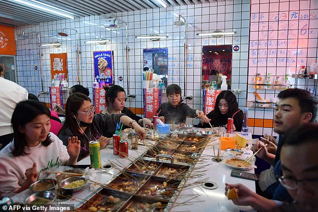 Xinhua news agencyhas called the proposal 'a good law' that can lead 'a new dining trend'