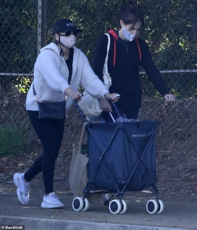 Shopping for supplies: The busy actress and mom of two then went to the Farmer's Market in her Brentwood, LA, neighborhood with a female friend