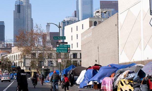 LA homeless sites are 'overwhelmed' by coronavirus