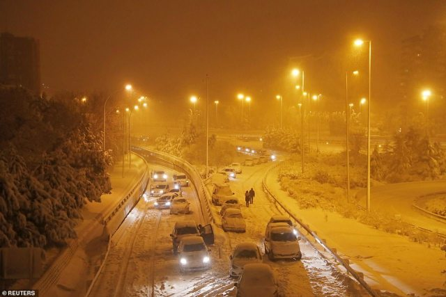 Madrid city council called on citizens to stay at home and avoid non-essential travel as a result of the unusual blizzard