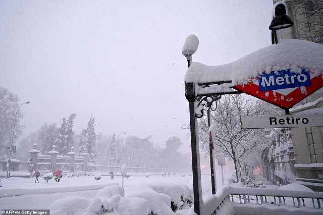 High-speed train services to southeastern cities such as Alicante and Valencia had been stopped because of the snow