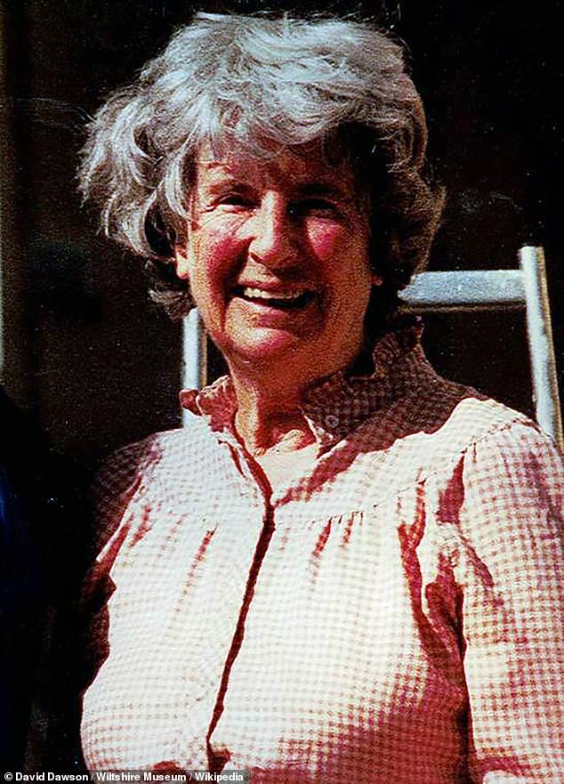 Best selling author John Preston's aunt, Peggy Piggott, was an archaeologist on the 1939 excavation and has been portrayed in The Dig by Lily James