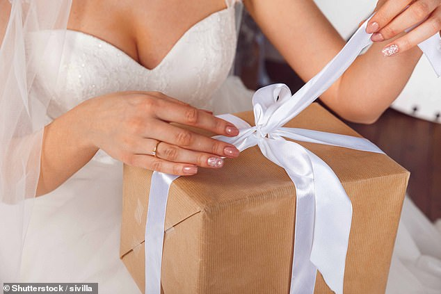 An anonymous woman who lives in the US, has sparked a debate about giving wedding presents to couples who get married in later life