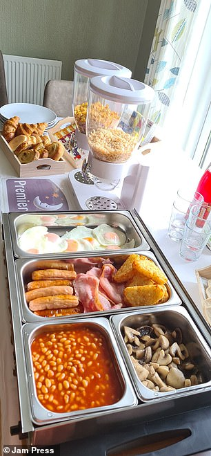It included a cooked breakfast with eggs, sausages, hash browns, toast, mushrooms and baked beans,