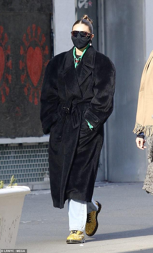 Gigi Hadid goes shopping in Manhattan… after celebrating her boyfriend Zayn Malik's 28th birthday
