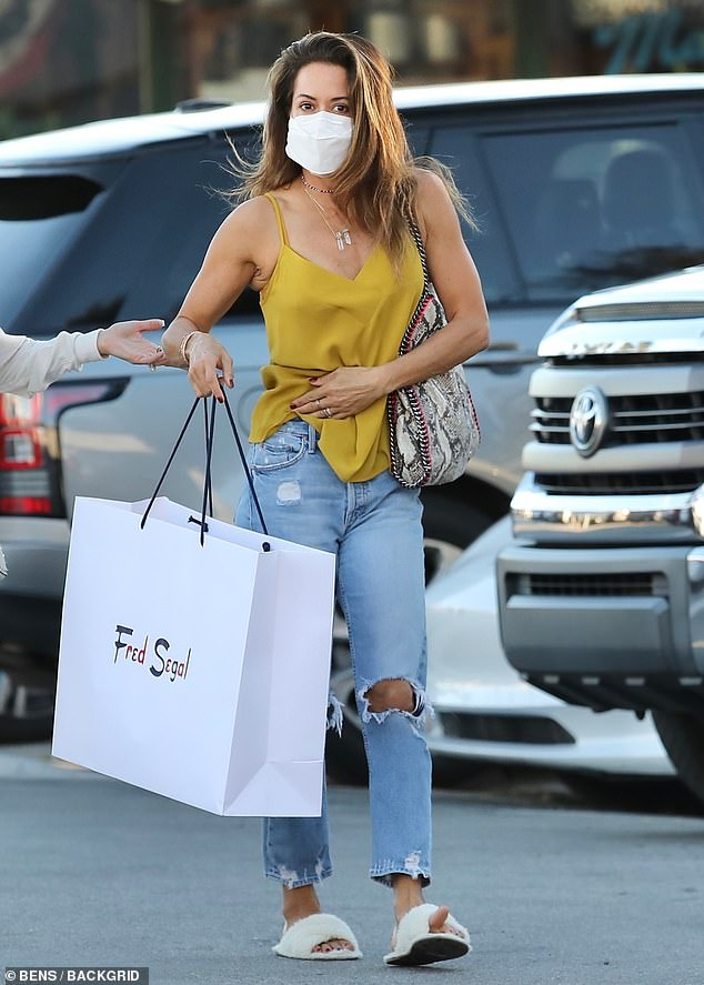 Chic:She has her own fitness app and program called Brooke Burke Body, which features daily workouts that can be done at home. And on Friday, Brooke Burke was spotted enjoying a shopping spree with a pal during a trip to the Malibu Country Mart