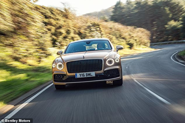 This is Money had the chance to compare the healthy-eating option of the beefiest of Bentleys with the unreconstructed meaty W12 Flying Spur driven back in Autumn 2019