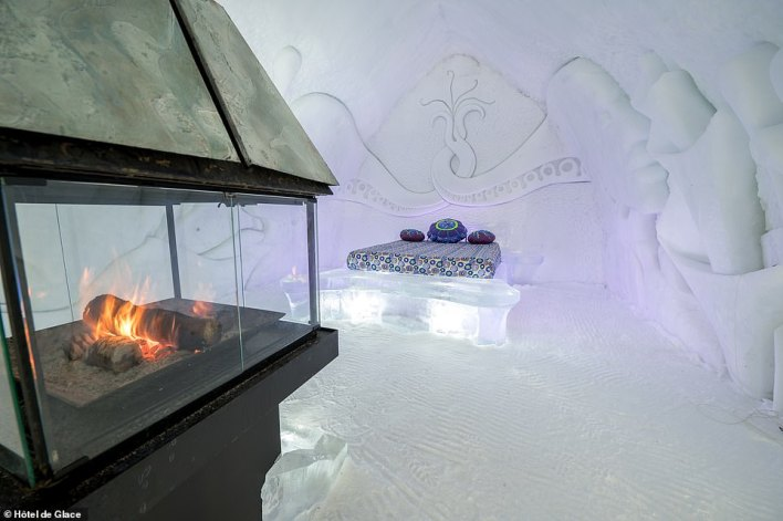 Hôtel de Glace says its walls are up to 2.4 metres (7.8ft) thick at the base, while some of the ceilings are over six metres (19ft) high