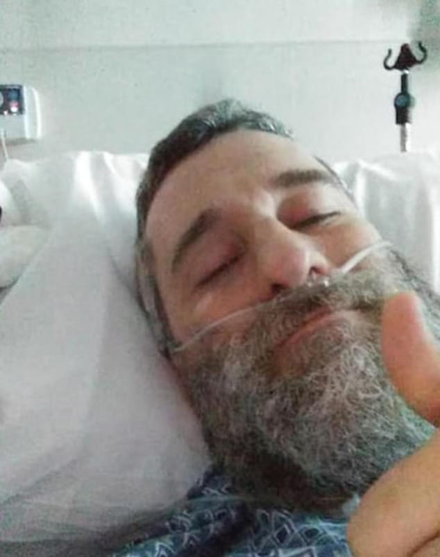 Diamond did not share any social media photos of the lump, and the last image of the actor was a selfie which showed him in his hospital bed before before he passed away