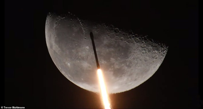 At 1:19am ET Thursday, SpaceX launched its Falcon 9 rocket to space and along the flight path, the craft past the moon for a stunning display that is out of this world
