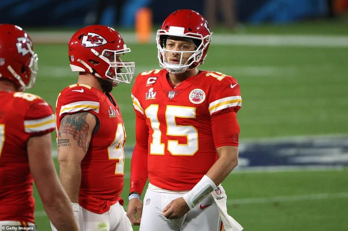 A frustrated Patrick Mahomes returns to the sideline in the second quarter of Super Bowl LV on Sunday in Tampa