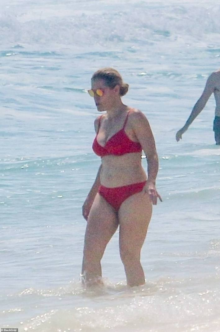 Ted Cruz's wife Heidi Cruz was pictured enjoying the warm weather of Cancun with friends and family on Friday