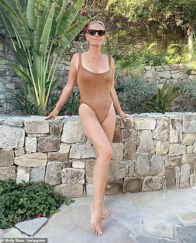 Bravo!The former Cosmopolitan cover girl was seen outdoors in three new images shared to Instagram where the 47-year-old model looked half her age