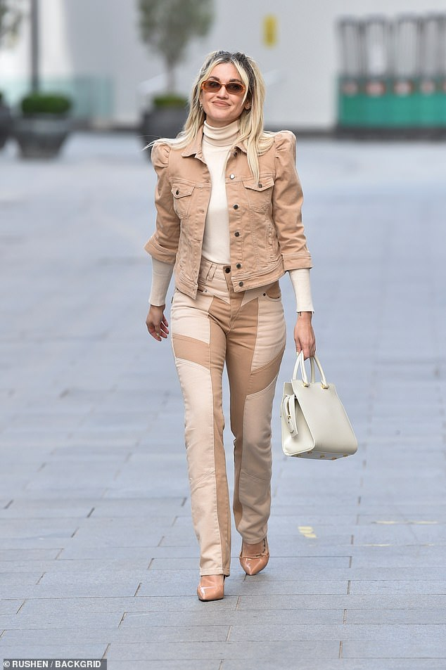 Creamy: Ashley Roberts made beige look anything but regular in a stylish ensemble on Tuesday