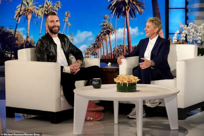 Propietarios famosos: Adam y Behati luego compraron la antigua casa de Ben Affleck y Jennifer Garner en Pacific Palisades por $ 32 millones, con Rappaport también representando al músico.