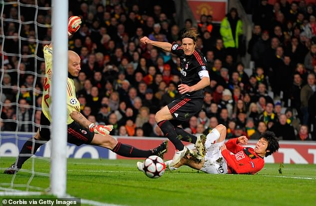 Park Ji-Sung scored United's third goal on the night, squeezing his shot into the far corner