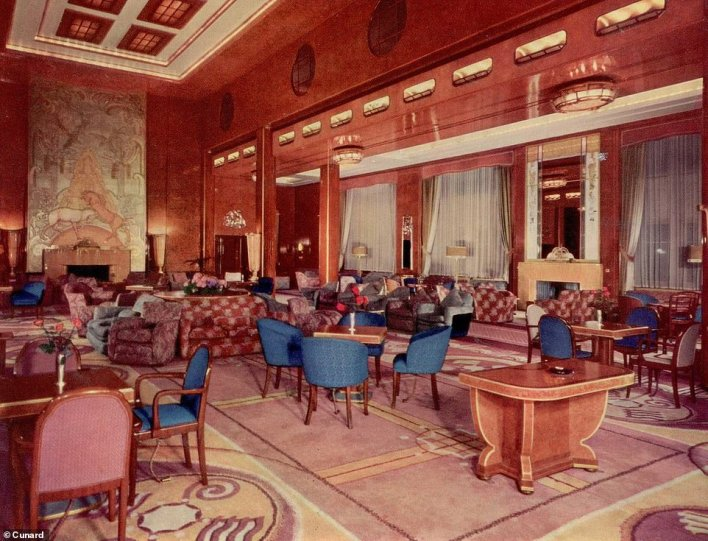 The main lounge onboard the Queen Mary, which was in service for Cunard between 1936 and 1967